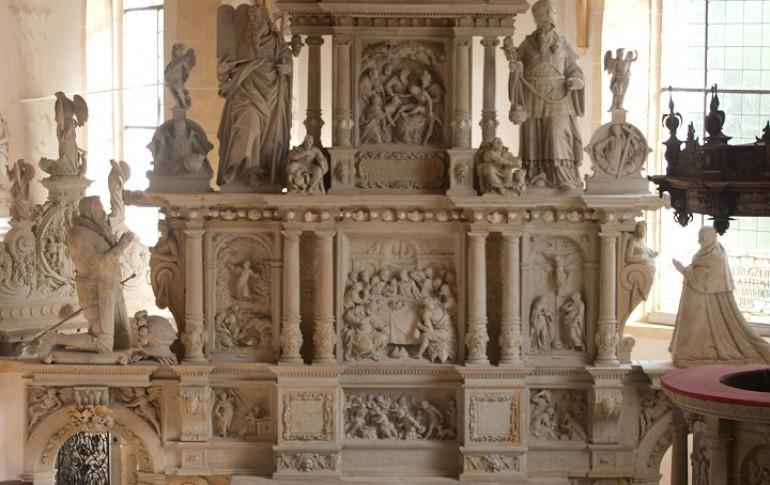 3.2-DE_Buehnausches_Epitaph_Kirche_Lauenstein_2005_2.jpg