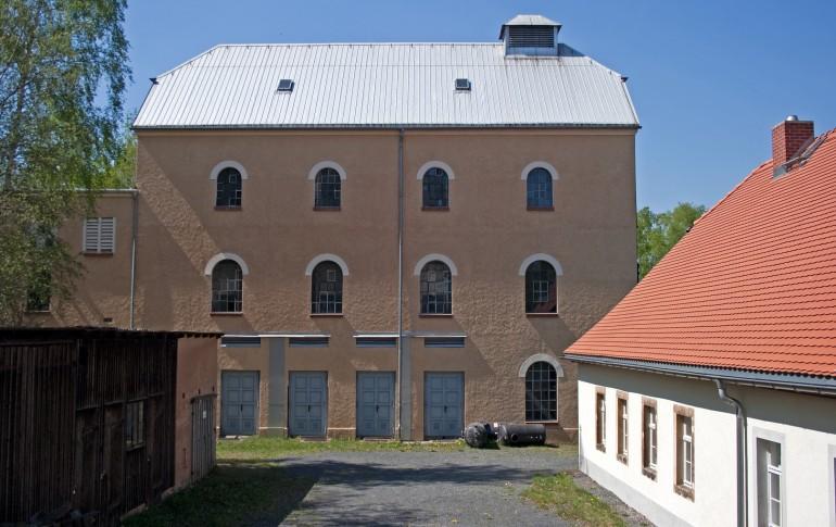 4.5.2-DE_DBS_Schachthaus_mit_Maschinenhaus.jpg