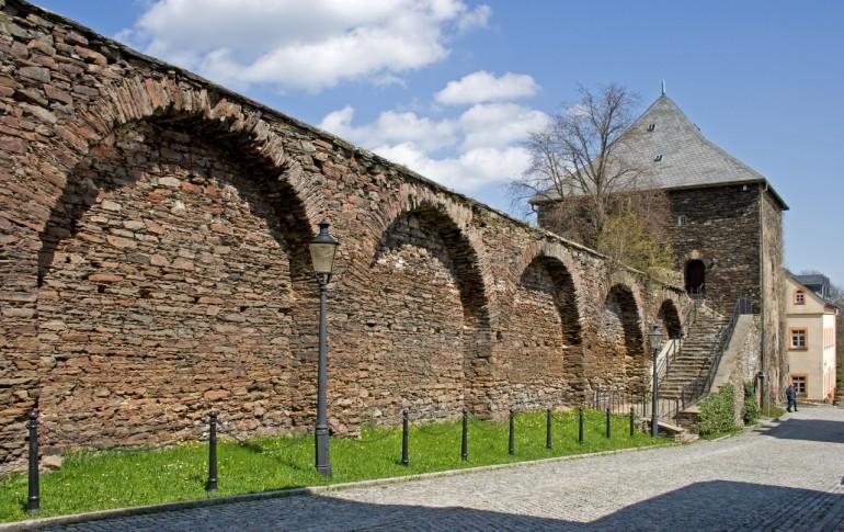 11.1-DE_HistAltStdMab_Stadtmauer.jpg